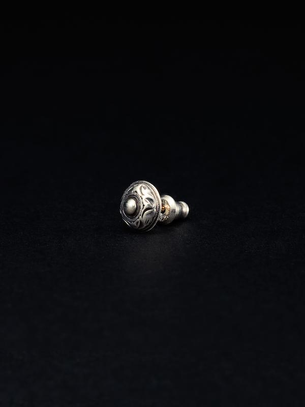 ANTIDOTE BUYERS Stud Earring (Single)